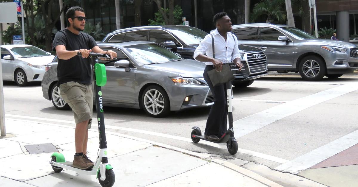 Miami suspende su plan de patinetas eléctricas tras aumento descontrolado de conductores